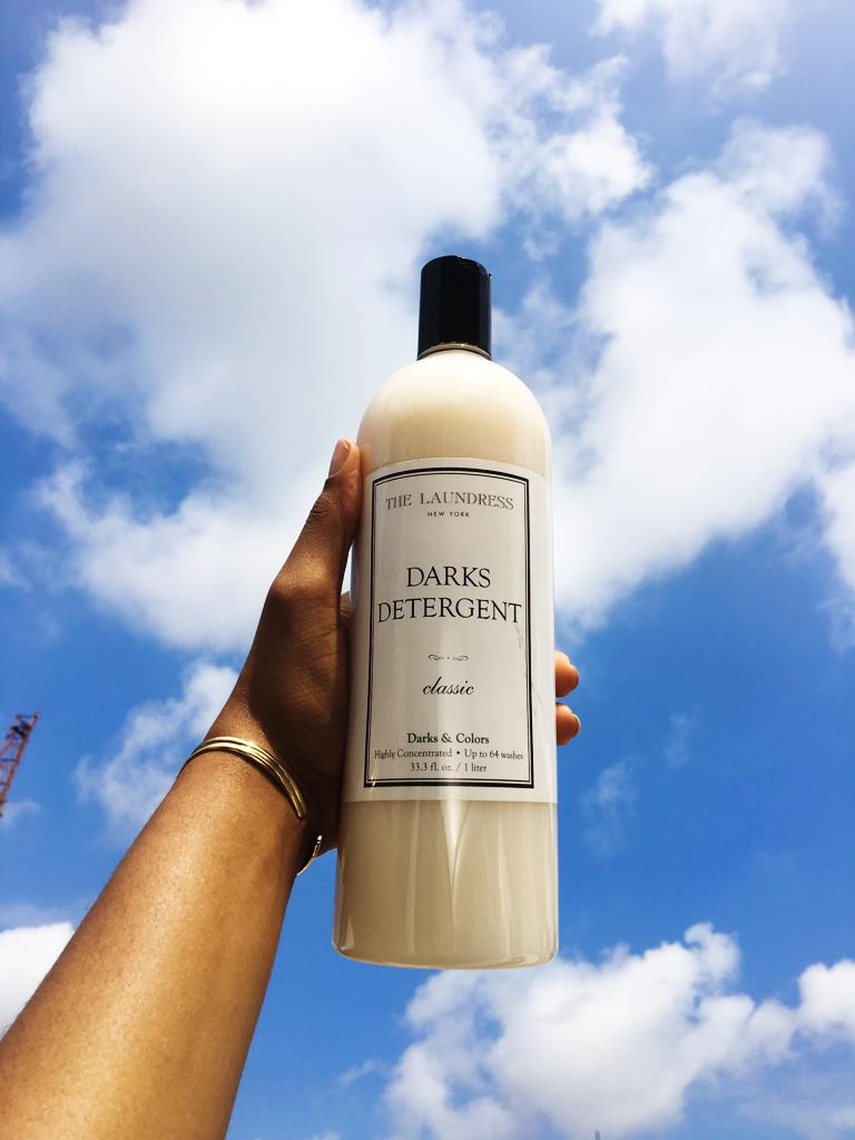 Why to use Laundress Darks Detergent