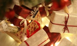 UNWRAPPING LUXURY: CHRISTMAS GIFTING IDEAS